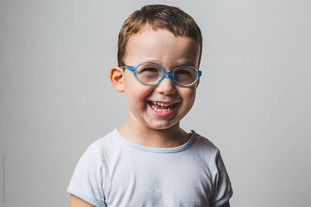 miért születnek rossz látással emberek
