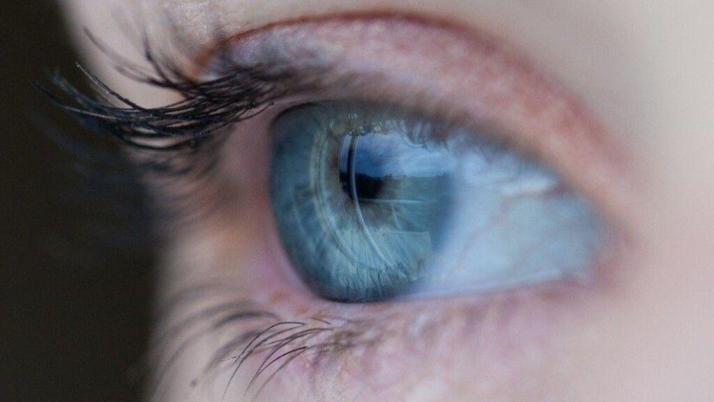 elzáródás segíti a látást rövidlátás a jobb szemen